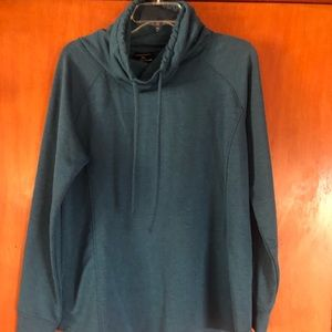 32 Degrees Heat  Pullover Size Large- Heather Blue